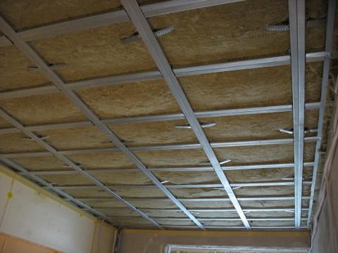 Звукоизоляция потолка в квартире: способы и решения